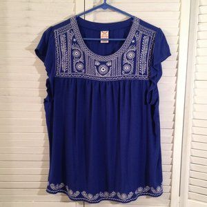 Faded Glory XL Blue White Embroidered Top